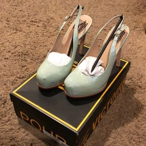 Pour La Victoire Aria Soft Patent Leather